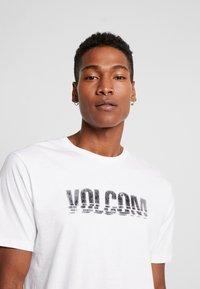 Volcom - CHOPPED EDGE - T-shirt med print - white - 3