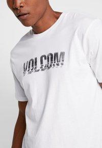 Volcom - CHOPPED EDGE - T-shirt med print - white - 5