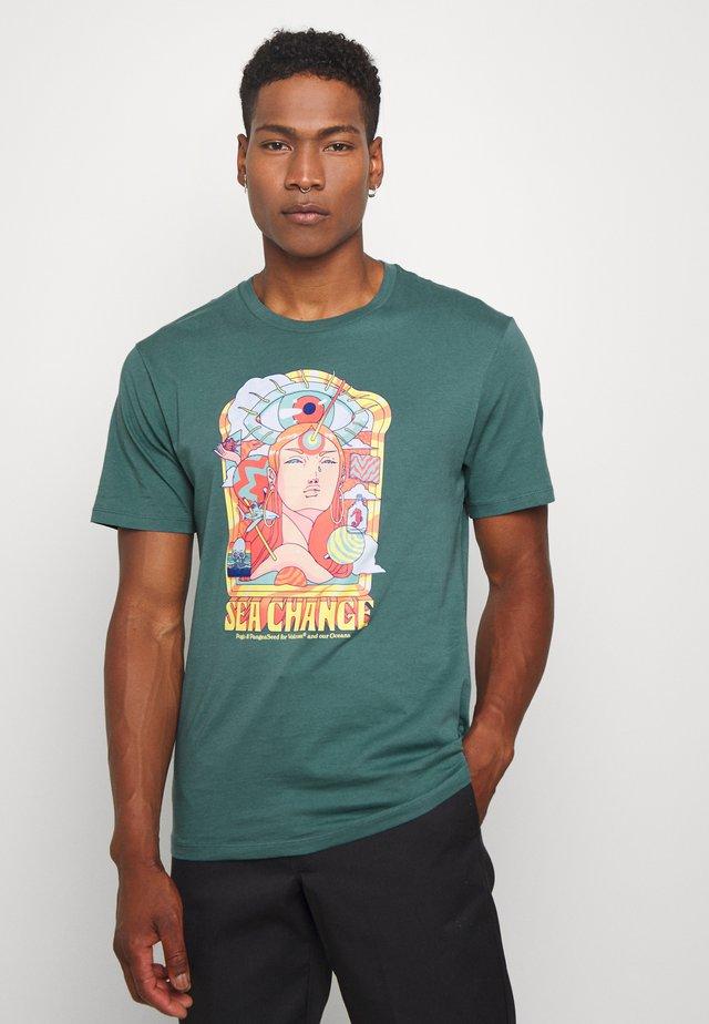 PANGEA SEED TEE - T-shirt z nadrukiem - hydro blue