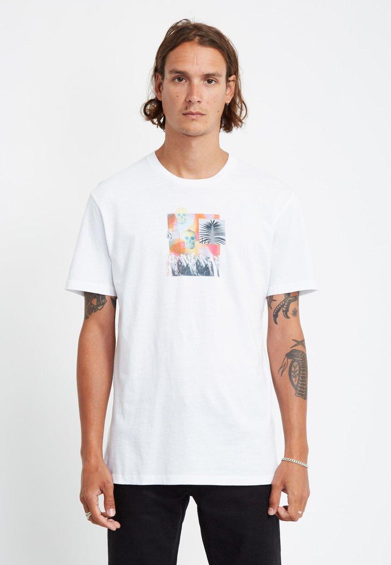 Volcom - COMMAND LTW SS - Camiseta estampada - white