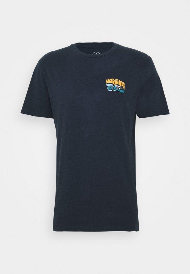 PEARYS  - T-shirt med print - navy