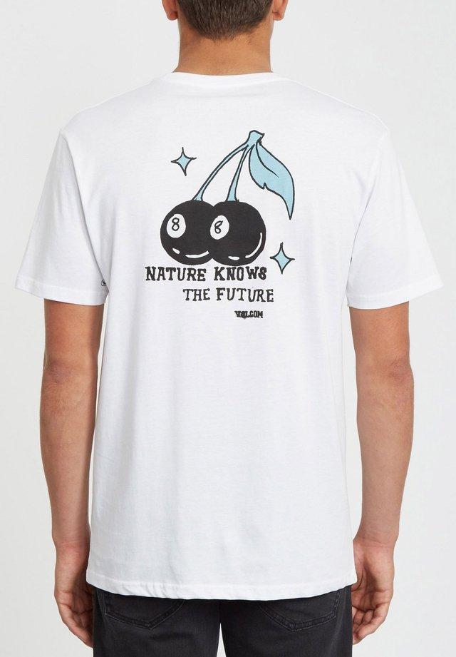 NATURE KNOWS - Print T-shirt - white