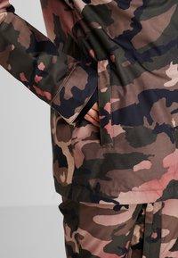 Volcom - KUMA JACKET - Snowboard jacket - faded army - 4