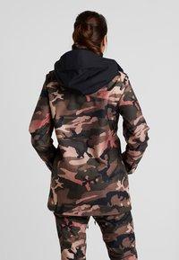 Volcom - KUMA JACKET - Snowboard jacket - faded army - 2