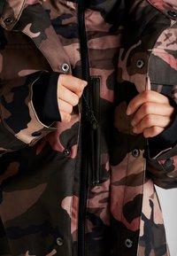 Volcom - KUMA JACKET - Snowboard jacket - faded army - 6