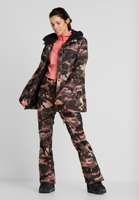 Volcom - KUMA JACKET - Snowboard jacket - faded army - 1