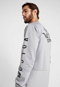 Volcom - PAT MOORE - Fleece trui - heather grey - 4