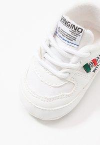 Vingino - YARI - Geboortegeschenk - retro white - 2