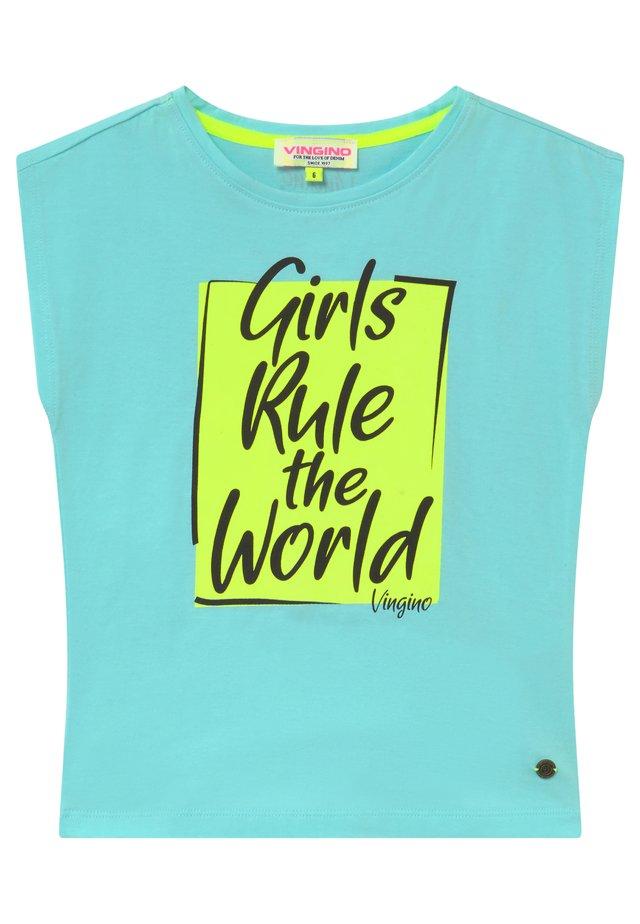 HESTYNE - Print T-shirt - cloudy blue