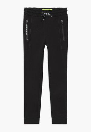 SMOGGI - Teplákové kalhoty - deep black