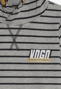 Vingino - JURBINO - Jersey con capucha - grey mele - 3