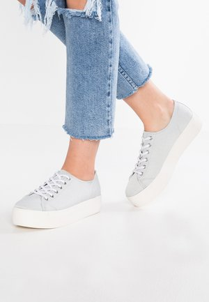 PEGGY - Sneakers laag - ash grey