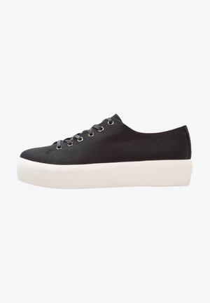 PEGGY - Sneakersy niskie - black