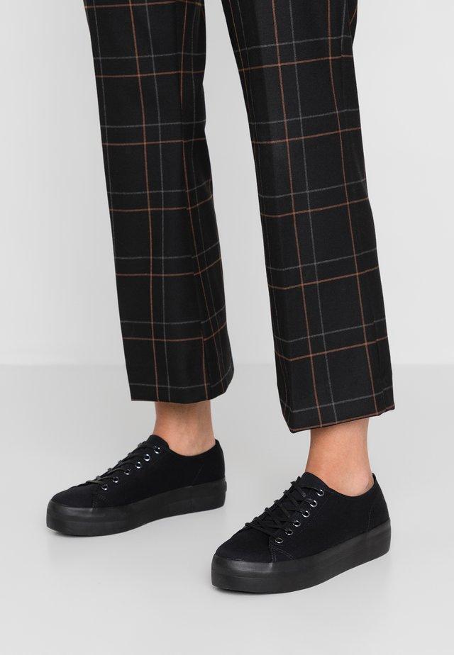 PEGGY - Sneakers - black