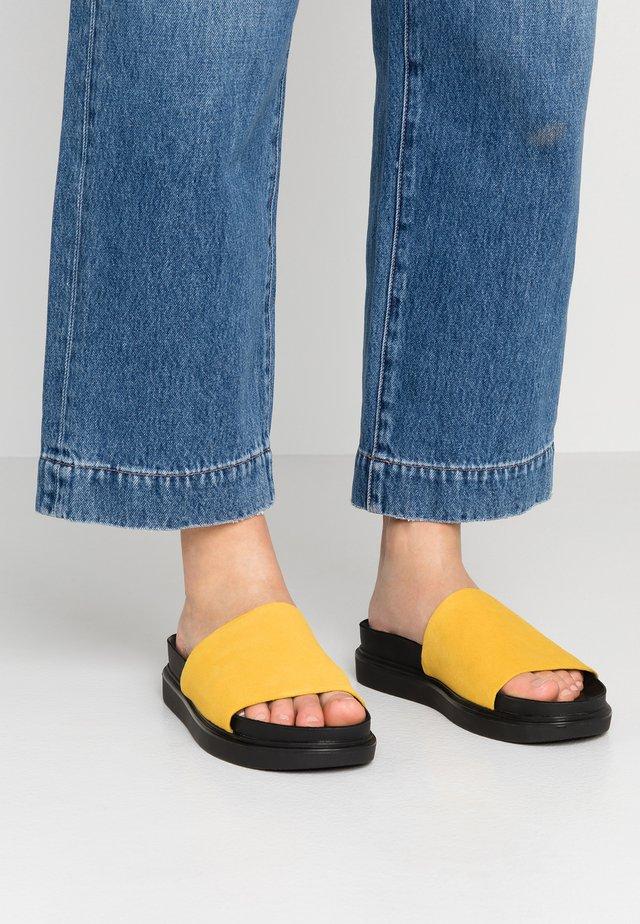 ERIN - Muiltjes - yellow