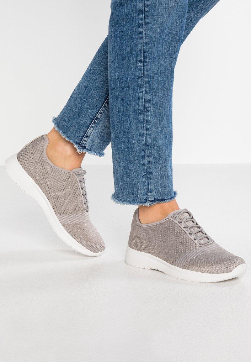 Vagabond - CINTIA - Sneakers - stone grey