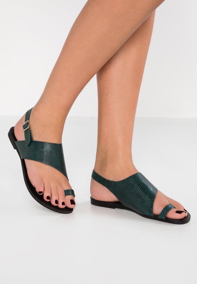 Vagabond - TIA - T-bar sandals - green