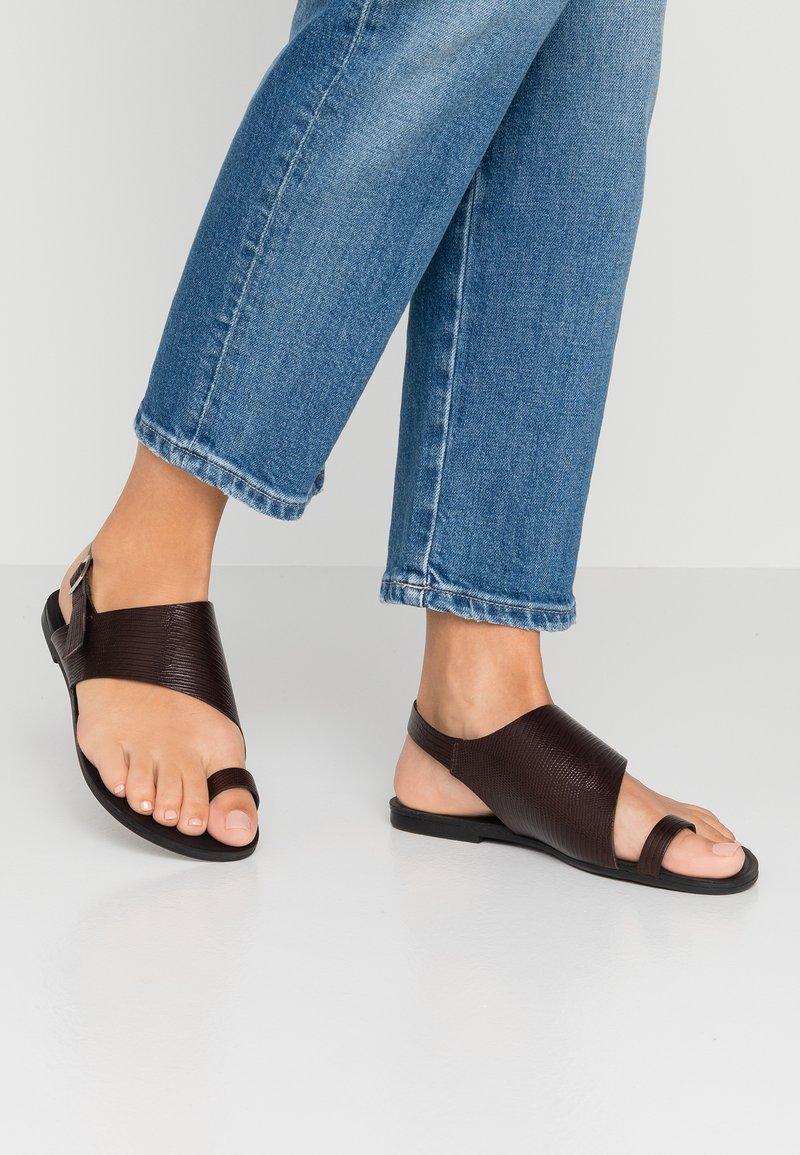 Vagabond - TIA - T-bar sandals - dark brown