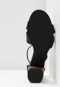 Vagabond - CAROL - Sandals - black - 6