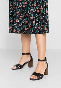 Vagabond - CAROL - Sandals - black - 0