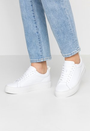 ZOE PLATFORM - Baskets basses - white