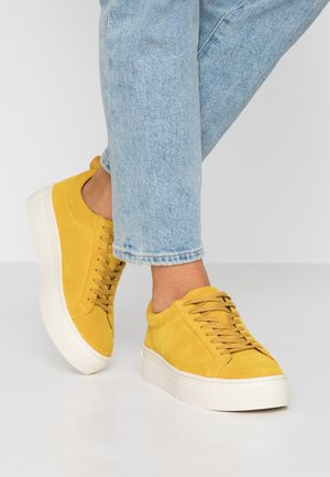ZOE PLATFORM - Sneakersy niskie - ochre