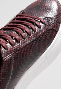 Vagabond - ZOE PLATFORM - Sneakersy niskie - wine - 2