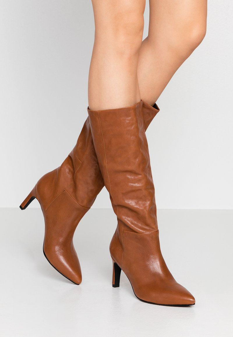 Vagabond - WHITNEY - Boots - cinnamon
