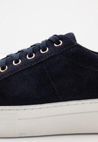 Vagabond - ZOE - Sneakers - indigo - 2