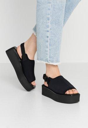 BONNIE - Sandály na platformě - black