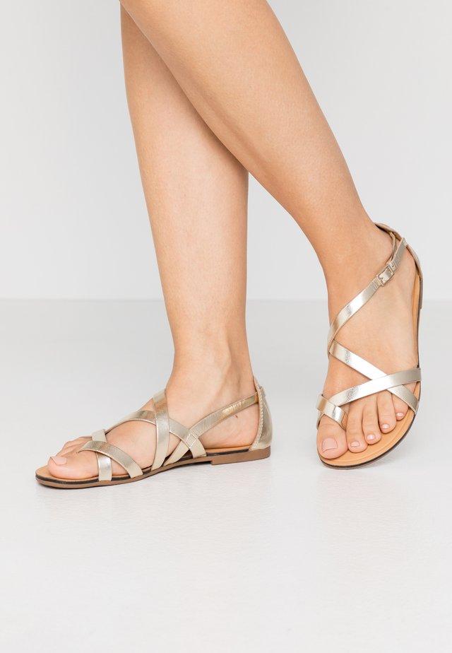 TIA - Sandaler - gold