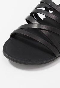 Vagabond - TIA - Sandaler - black - 2