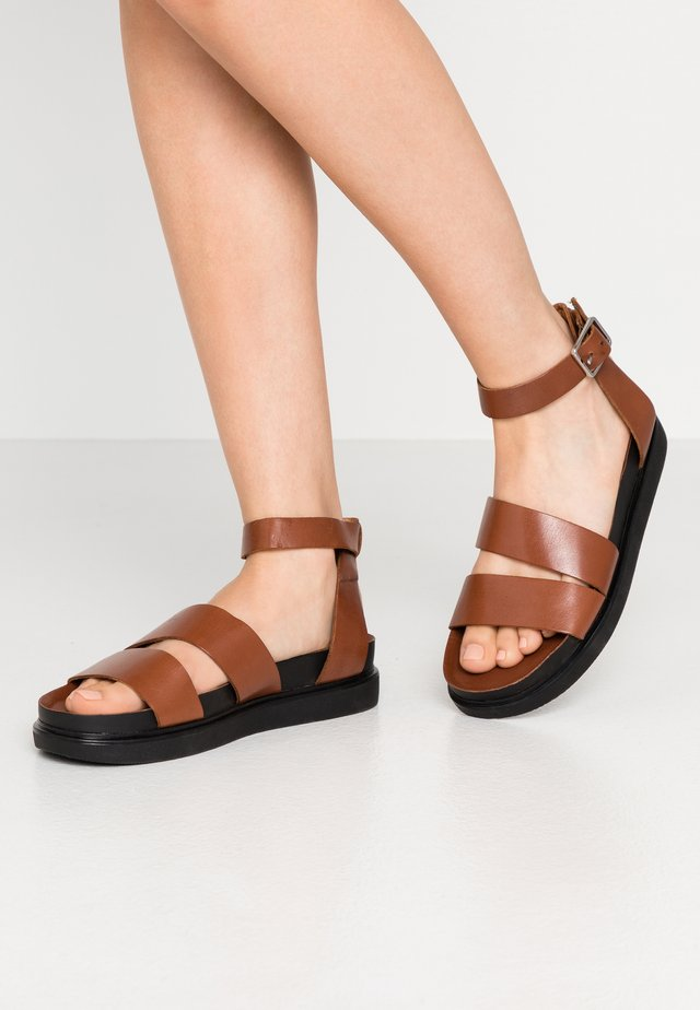 ERIN - Sandals - cognac
