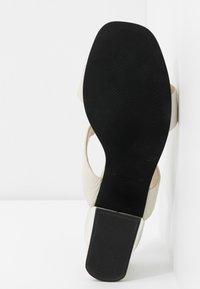 Vagabond - ELENA - Pantofle na podpatku - offwhite - 6