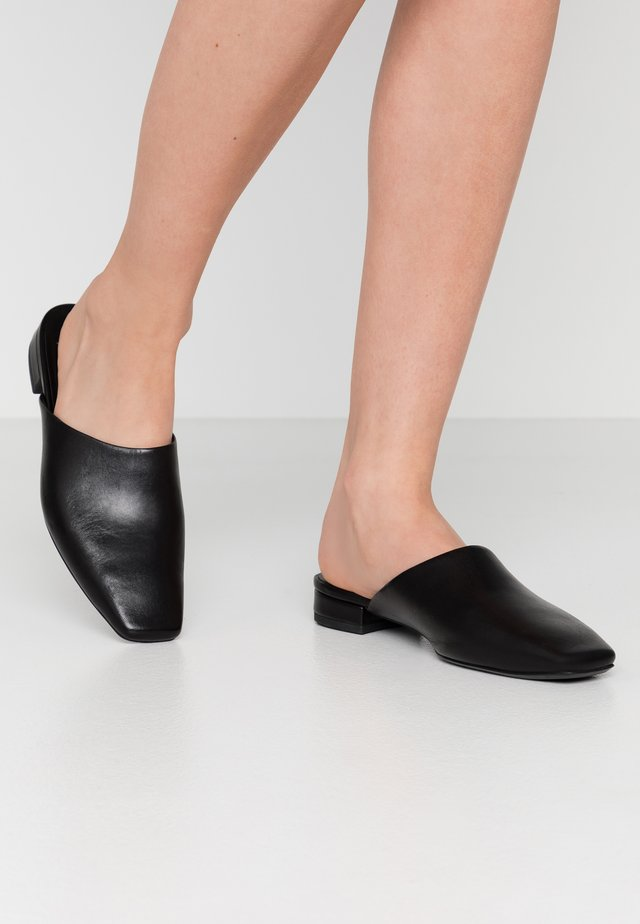 LAYLA - Pantofle - black