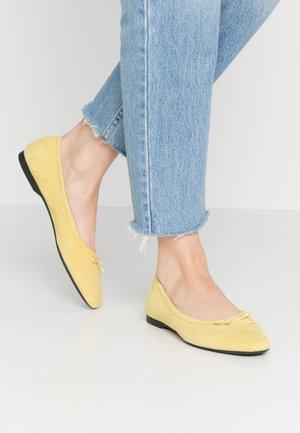 MADDIE - Ballet pumps - citrus
