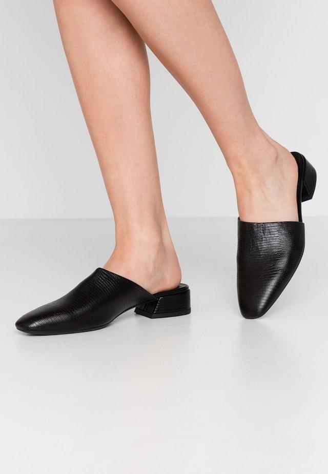 JOYCE - Pantofle - black