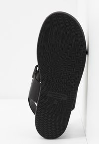 Vagabond - ERIN - Sandaalit nilkkaremmillä - black - 6