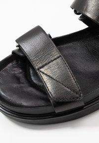 Vagabond - ERIN - Sandaalit nilkkaremmillä - black - 2
