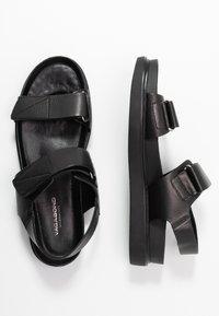 Vagabond - ERIN - Sandaalit nilkkaremmillä - black - 3