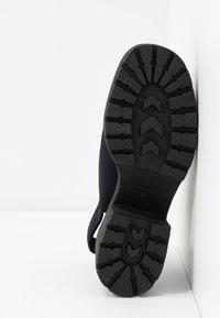 Vagabond - DIOON - Korkeakorkoiset sandaalit - black - 6
