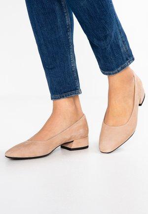 JOYCE - Classic heels - almond