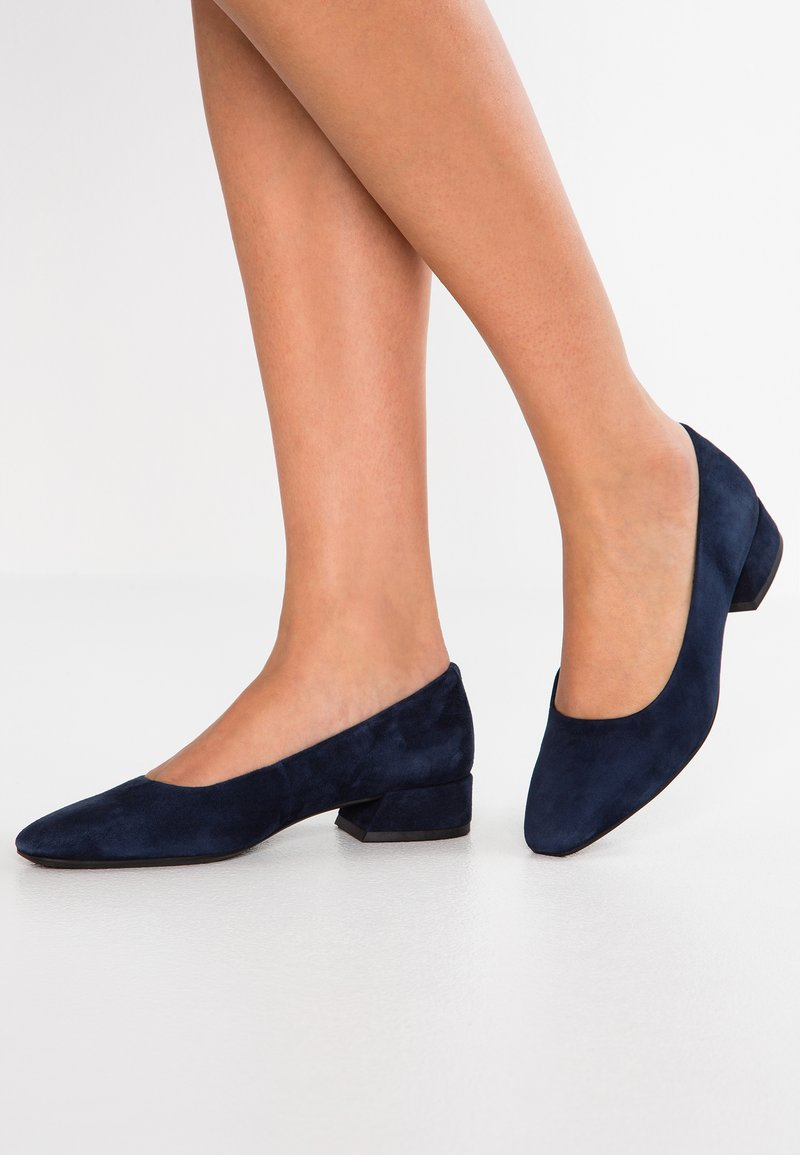 Vagabond - JOYCE - Klassiske pumps - dark blue