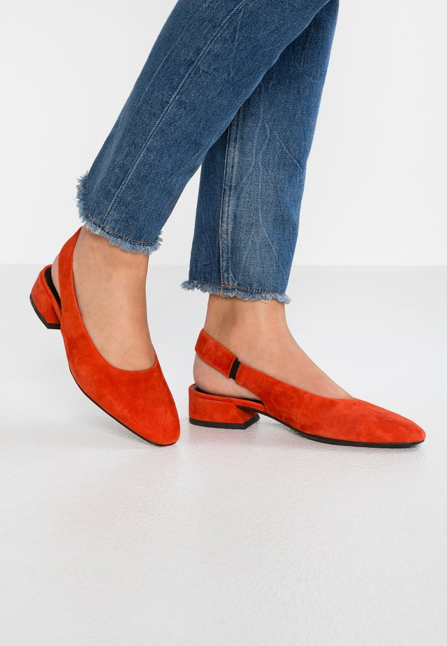 JOYCE - Ballerinaskor med slingback - tangerine