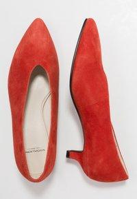 Vagabond - MINNA - Classic heels - tangerine - 3