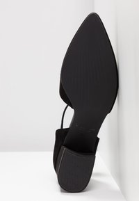 Vagabond - MYA - Classic heels - black - 6