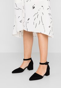 Vagabond - MYA - Classic heels - black - 0