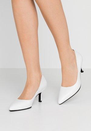 PAULINE - Classic heels - white