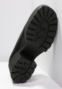Vagabond - DIOON - Platform heels - black - 4