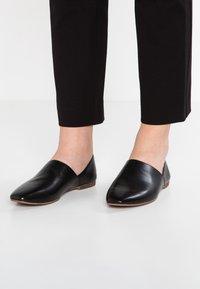 Vagabond - AYDEN - Slippers - black - 0